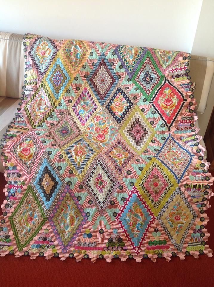 From Brigitte Giblin Quilts Facebook page. Love all the bright, pretty colors in this hexagon quilt