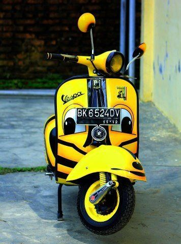 Be amazed with tbest vintage motorcycles of all times: Vespa   www.vintageindustrialstyle.com