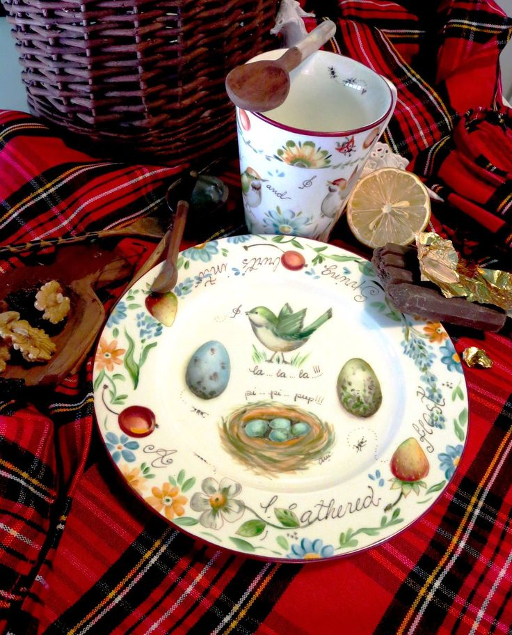 MAGIA PURA ~ Yes, what a picnic! Also, charming for Shabby Chic or that Semi Rustic Country Look; there again, Charming! ~MH