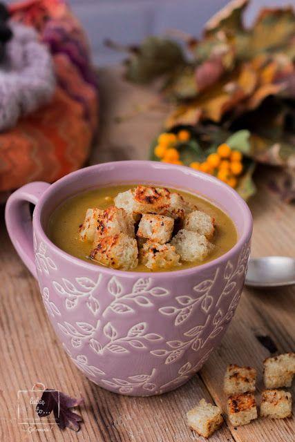 Jesienna zupa dyniowa z pieczarkami