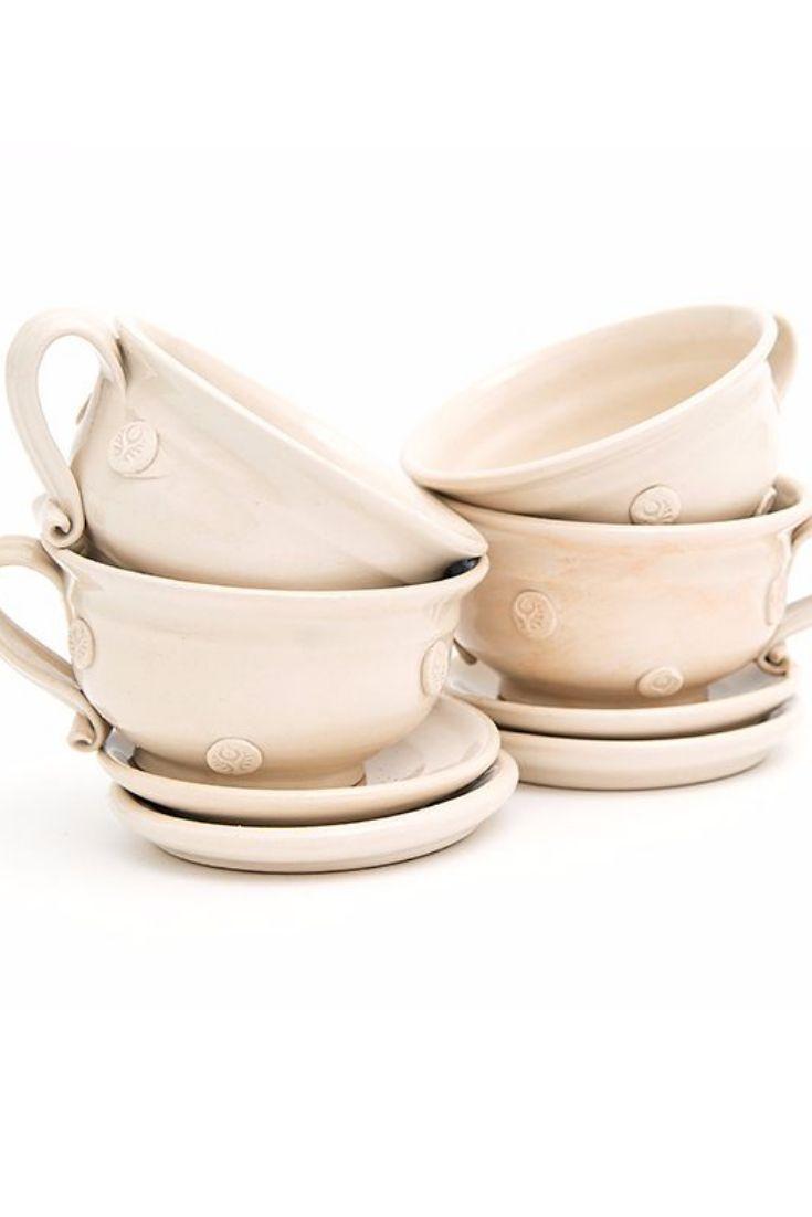 Magyar kézműves termék. Egyedi design. A teás készlet 4 db csészealjat és 4 db teáscsészét tartalmaz. A teáscsészék űrtartalma 250 ml. Ár: 6900.-ft http://www.ukko.hu/webaruhaz/keramia-teas-keszletek