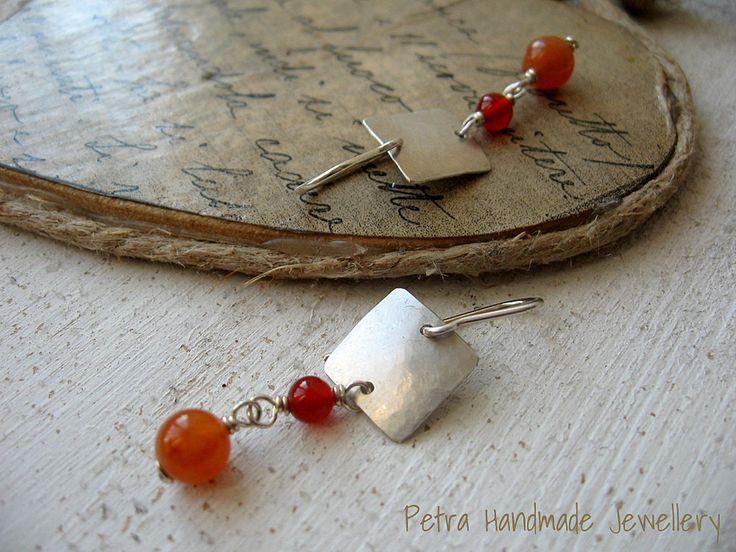 Orecchini pendenti argento 925 e agata rossa- gioielli fatti a mano- orecchini pendenti- pezzo unico di Petrahandmadejewelry su Etsy