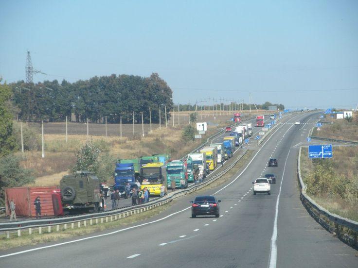 180-1024x768 ДТП на трассе Одесса-Киев: рухнувшая на бок фура перекрыла движение (ФОТО)