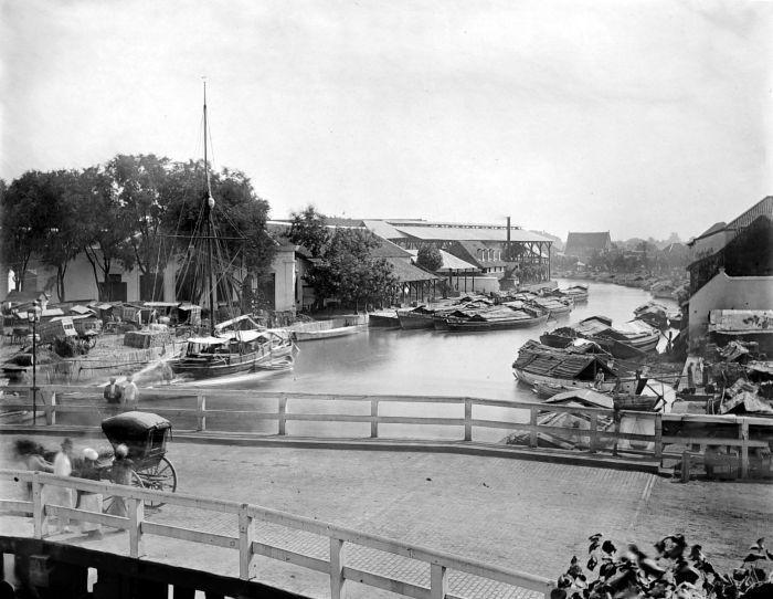 Willemskade Surabaya Oost Java 1900-1940 (COLLECTIE TROPENMUSEUM)
