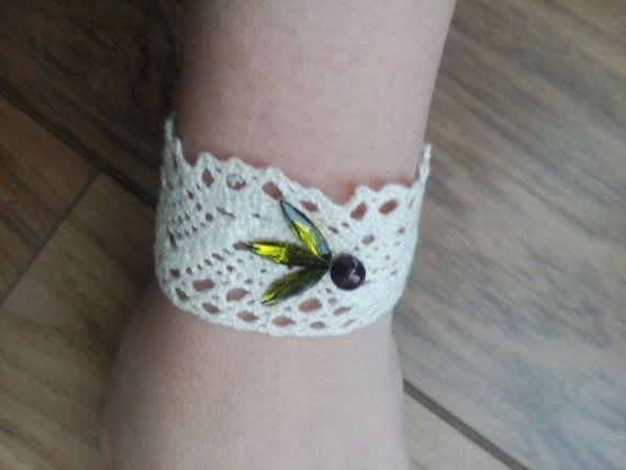 Lace bracelet with Swarowski