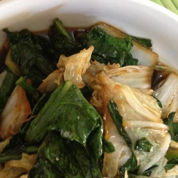 Aprenda a preparar acelga refogada com shoyu com esta excelente e fácil receita.  Os legumes refogados são uma ótima opção de acompanhamento, além de serem...