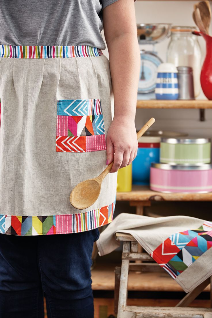 Holiday Hostess patchwork apron by Julie Rutter for issue 15 of Love Patchwork & Quilting magazine