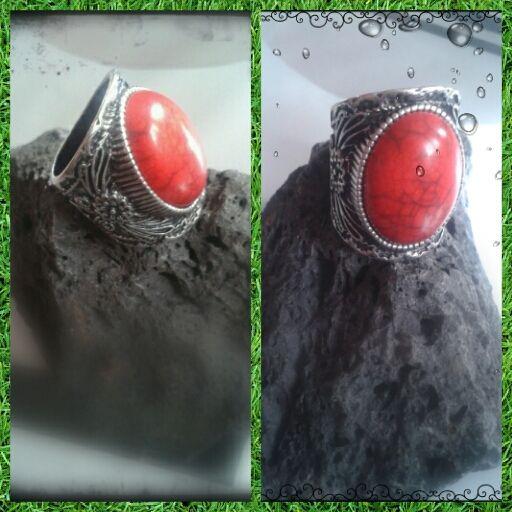 Anillo piedra roja - 4€ Ref: A105