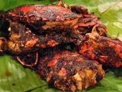 Kepiting Asap - Berikut ini ada aneka cara membuat video resep kepiting asap rasane bumbu rempah kari bakar lada hitam cendrawasih ala pontianak paling enak serta pedas.