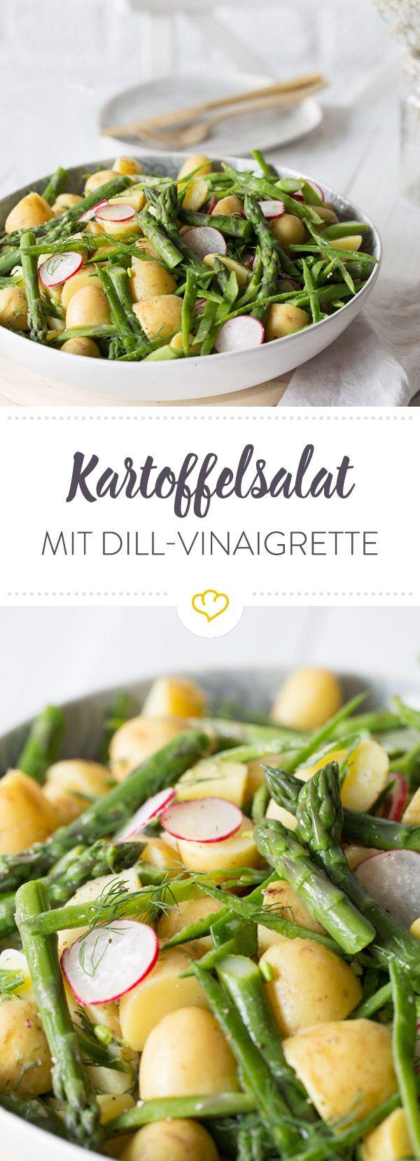 Die Skandinavier machen Omas Kartoffelsalat Konkurrenz und bringen junge Kartoffeln mit Radieschen, Spargel, Dill und Butter zur Geltung.