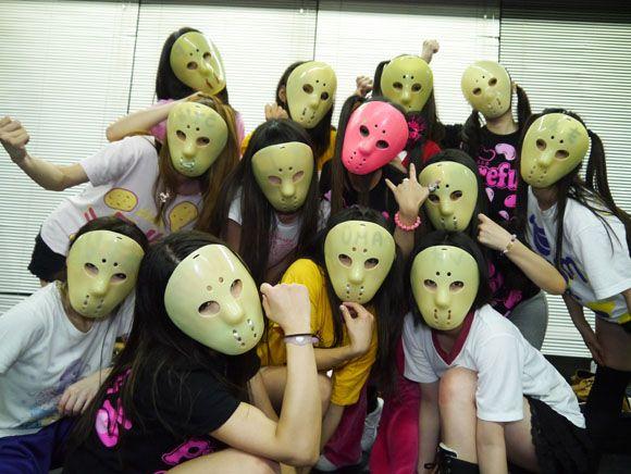 ジェイソンマスクを被ったアイドルグループ「アリス十番」のライブがすごい! ファンの熱意はさらにすごい!! | ロケットニュース24