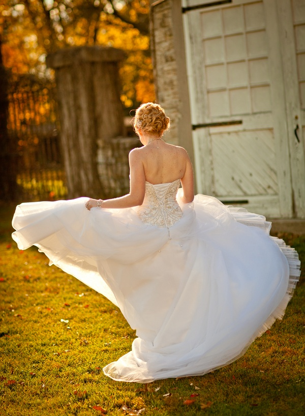 I dont know if my dress will twirl like this but if it can ... I want a photo of it. :)