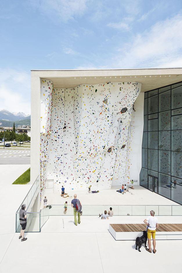 Escola de Escalada\ Italy (Bruneck), 2015. Stifter + Bachmann. Bruneck\ School Bouldering and Climbing Centre