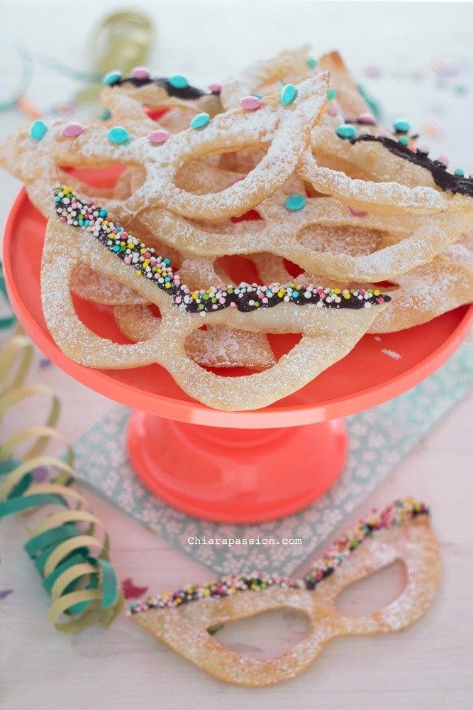 maschere dolci di carnevale chiacchiere. Pastries Carnival