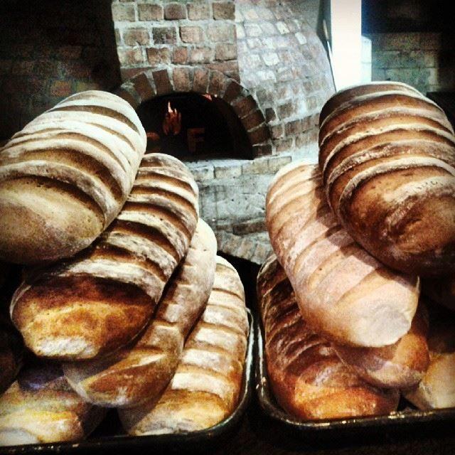 Panes de Campo De nuestro Horno de Leña!! #casafuego #usaquen #pan