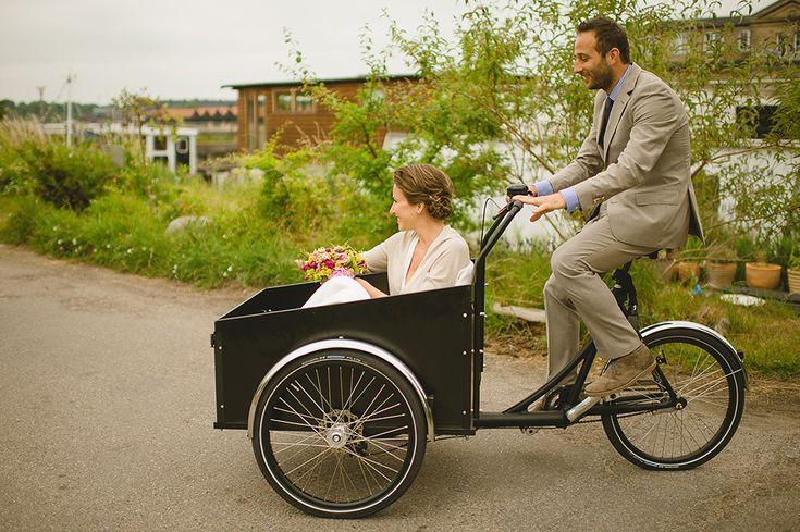 Christiania bikes - wedding transportation Zuzana & David - A Wedding In Copenhagen - Gent & Beauty