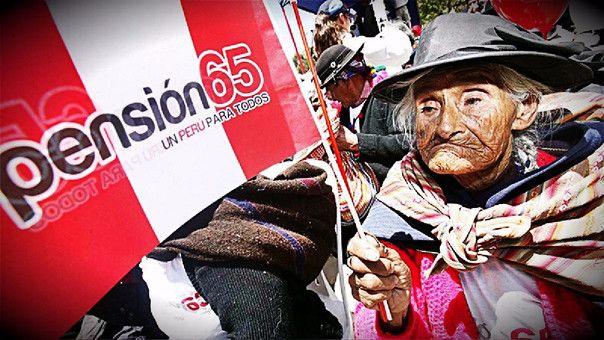En la provincia de Chucuito encontraron a personas de la tercera edad para que sean incluidas en programa Pensión 65. Pobladores de la ciudad de Juli en Puno, denunciaron que dos personas de avanzada edad no reciben la ayuda de los servicios sociales del Estado, pese a que se encuentran en situación de extrema pobreza. …