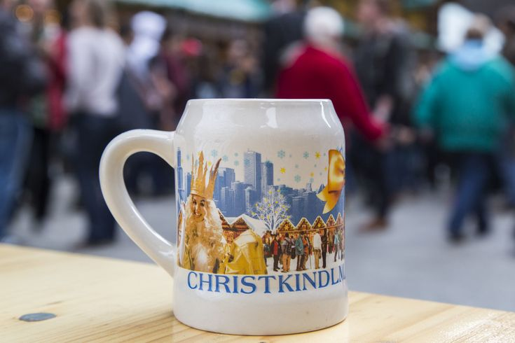 Happy Christkindlmarket, Chicago! One of our favorite holidaymarketsis open today through December 24 inDaley Plaza, meaning it's time for us