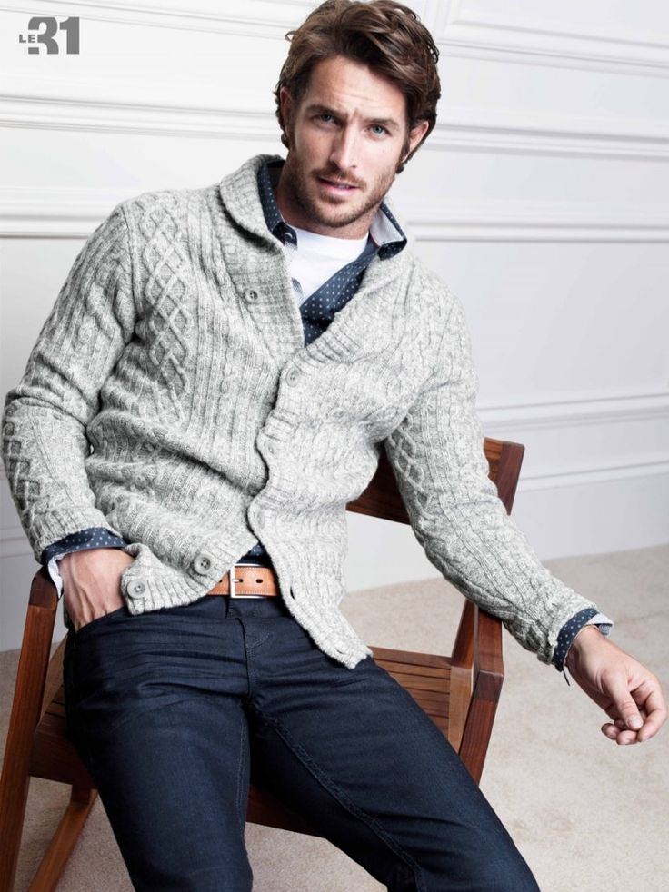 Simons Celebrates the Holidays with Casual Styles