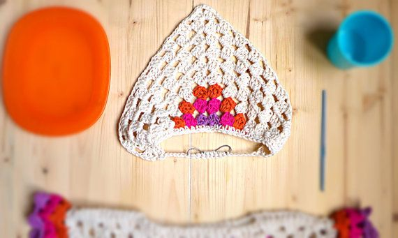 Bandana alluncinetto per le vostre bimbe. Questa colorata fascia per capelli alluncinetto è fatta a mano utilizzando 100% cotone di alta qualità.