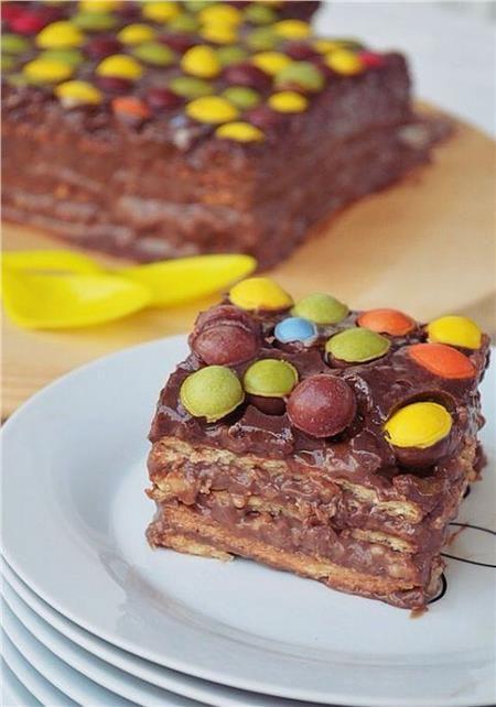 Εύκολη τούρτα σοκολάτα με μπισκότα πτι-μπερ