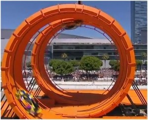 Greg Tracy And Tanner Foust Sets Guinness World Record For Largest Loop The Loop In Cars