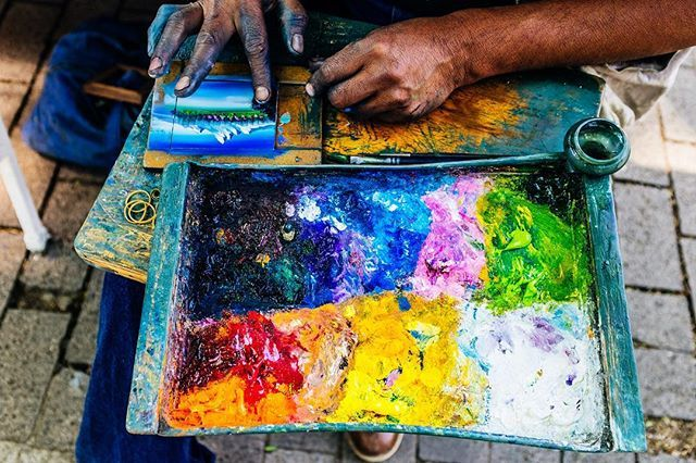 I met this guy who has dedicated his life to finger painting    #fingerpainting #paintingart #paintingwithatwist #painters #paintmixing #paintbrush #paintwork #paintisdead #paintlife #colorsplash #colorfy #mexicolors #mexicolindo #colorinspiration #colorworld #colorgram #colors #chapultepec #streetartist #streetphotography_mexico #x100f #fujifilmxseries #cdmx #mexico #mexicocity #colores #streetartists  #colorsplurge #colormelt #cdmx