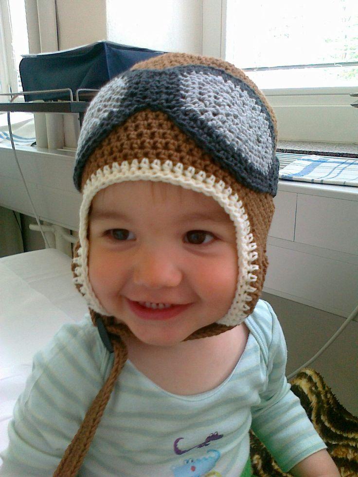 Small pilot with crochet pilot cap