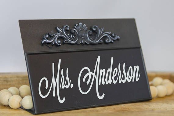 Desk Name Sign - Customized Office Desk Name Plate - Personalized Chalkboard - Teacher Realtor Lawyer Sign Professional Business Gift A Desk Sign would make a perfection addition to anyones desk at school, home or office.. The blackboard is ready for your personalized greeting....  Teachers Name, Hello, Welcome, Welcome Home, Happy Birthday,..... I even include the chalk!!!! Measurements: 8w x 5 1/2 tall ---------------Purchasing Instructions--------------------   ***Option 1: Your chalk...