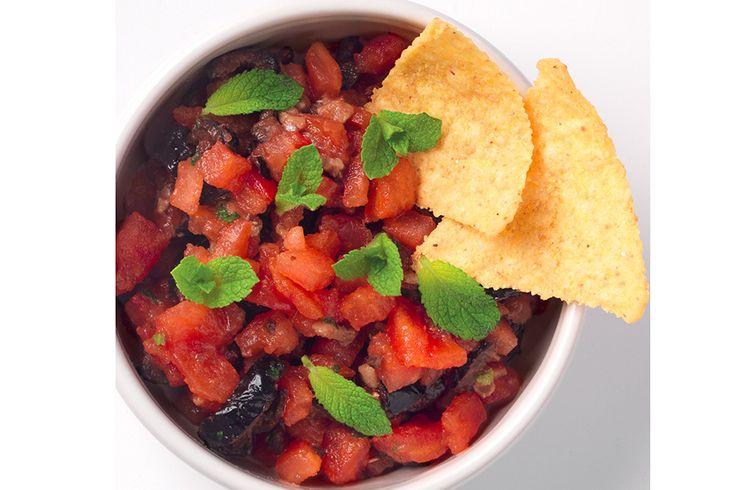 Battuto di pomodoro, acciughe e olive nere