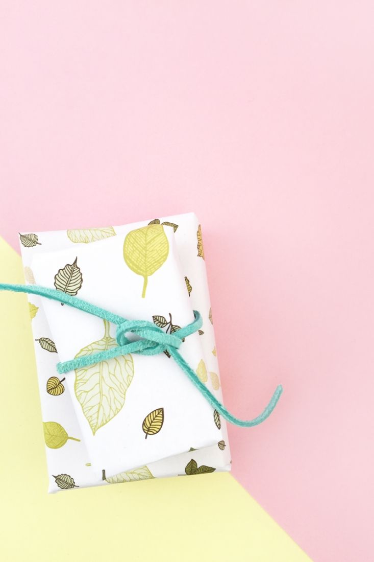 DIY Gift Wrap with Leaf Pattern - Maritza Lisa: Make your own wrapping paper or ...