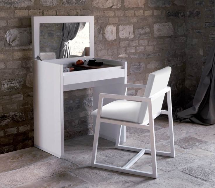 Simple And Small Dressing Table