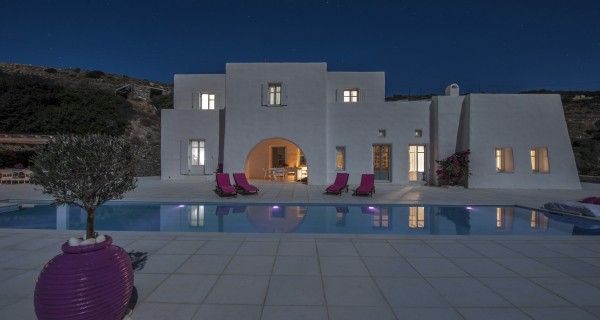 Moonlight Villa  consists of a main villa that sleeps 8 in four bedrooms, a guest house that sleeps 2. Cook who prepares breakfast & lunch or dinner six times a week, change of linen twice a week and daily cleaning. http://instylevillas.net/property/moonlight-villa-paros/