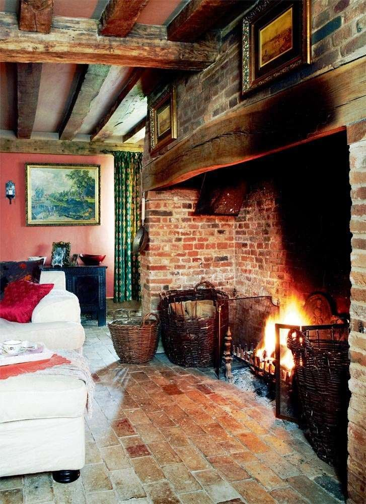 Moon to Moon: A 14th Century English home