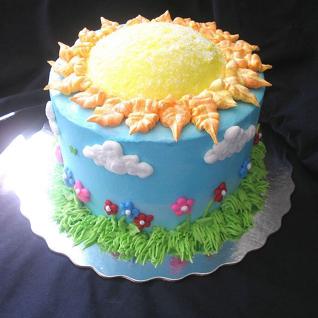 Spring time sun cake by Giggy's Cakes and Sweets, via Flickr