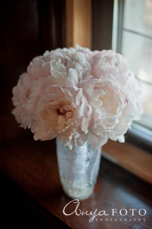 anyafoto.com, wedding bouquet, bridal bouquet, peony, pale peony bouquet, pink wedding