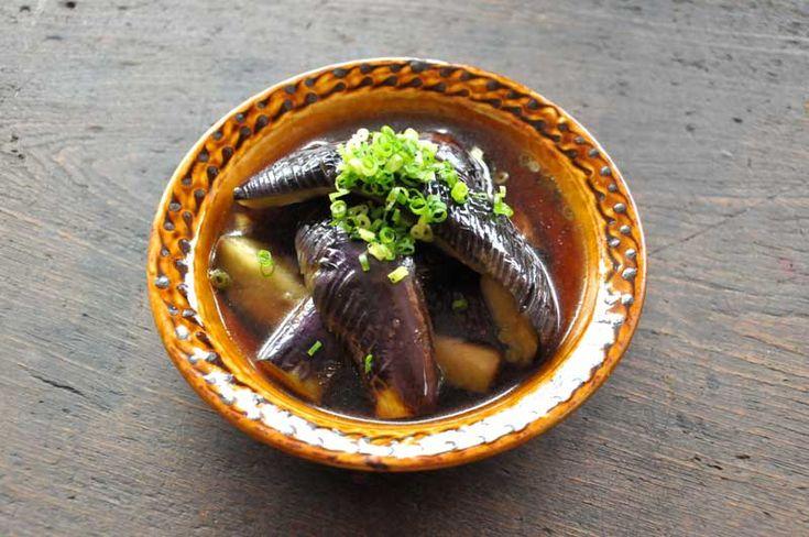 いちばん丁寧な和食レシピサイト、白ごはん.comの『揚げないで作る、なすの煮びたし』のレシピページです。揚げずにフライパンで作って…