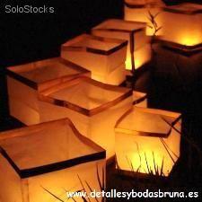 Lámpara Flotante en Agua. Cubos de Luz Flotantes para el agua. Decoración bodas
