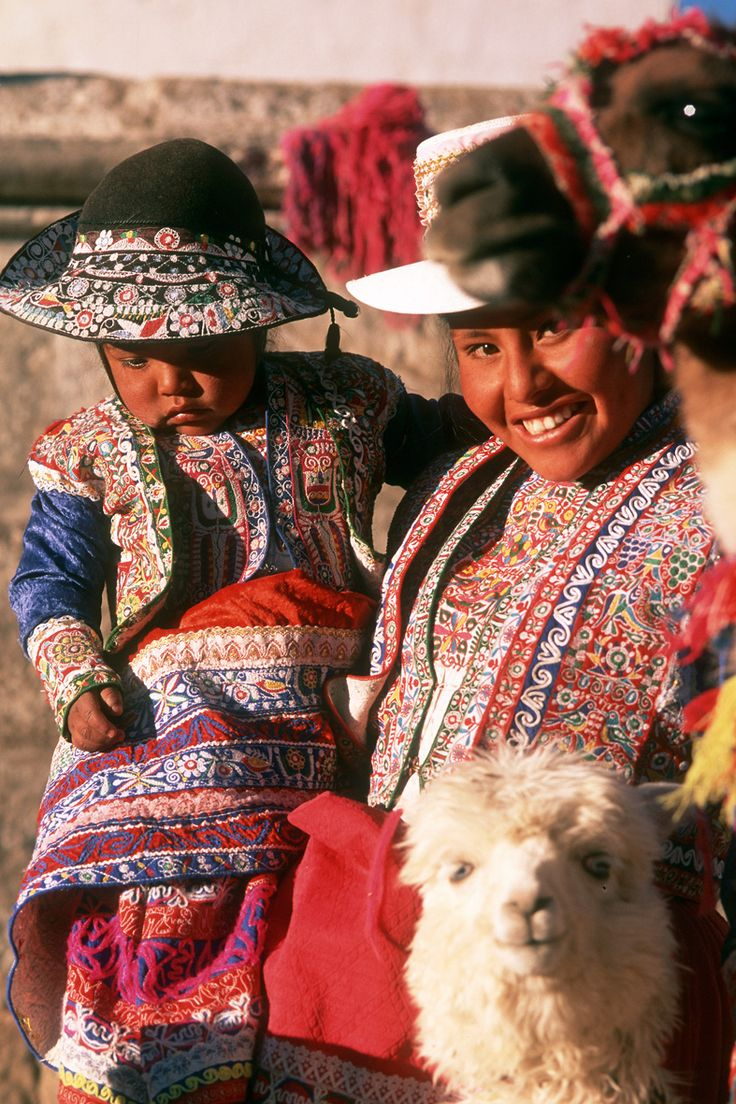 Collagua Lady and Girl, Arequipa