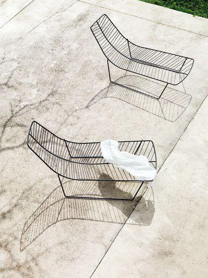arper   leaf chaise lounge