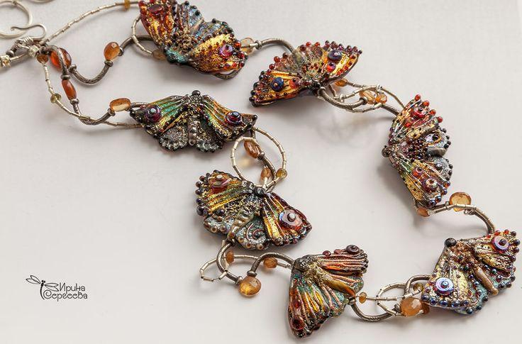 """Купить Колье """"Ночной хоровод"""" - серый, мотыльки, палладий, стекло, шпинель, бабочки, колье, lampwork"""
