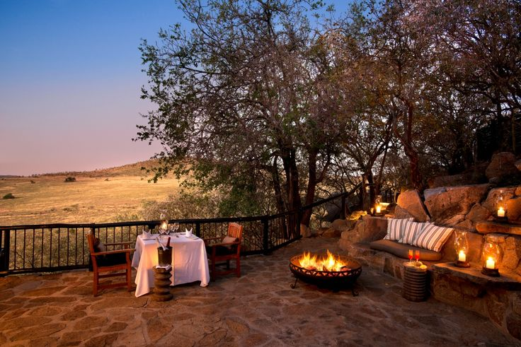 Tshukudu Bush Lodge in the Pilanesberg National Park is the ultimate game drive and luxury safari experience near Joburg and Pretoria