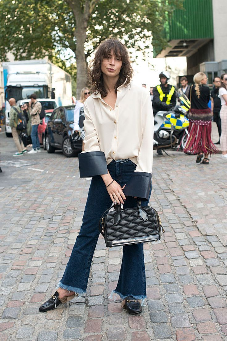 da45bb4c5b1 20 Different Ways to Wear Every Pair of Jeans in Your Closet This Winter   Flare Jeans