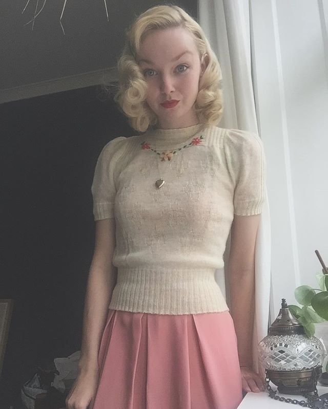 Wearing this 1930s sweater for the second day in a row, finding it also looks gr…