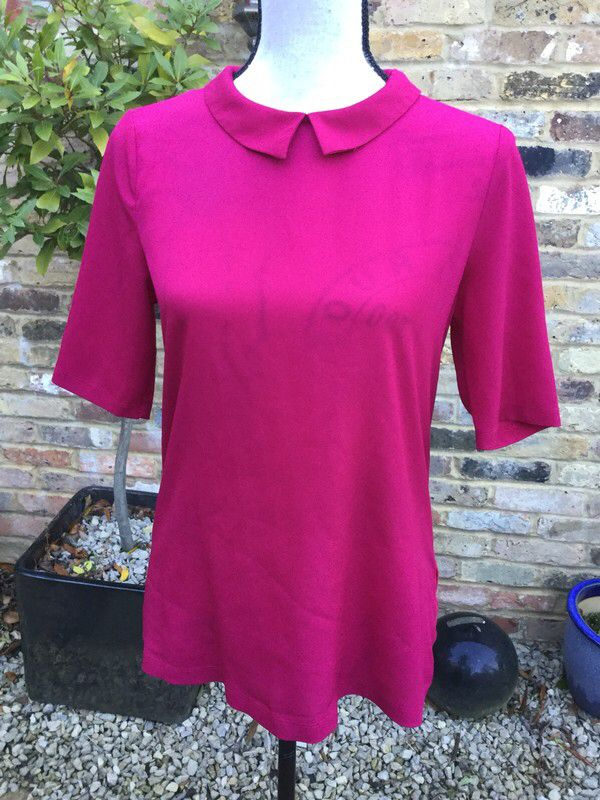 My French Connection raspberry blouse by French Connection. Size 12 / M for £7.50: http://www.vinted.co.uk/womens-clothing/blouses/7321785-french-connection-raspberry-blouse.