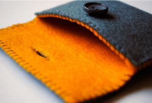 Great website with lots of felting ideas and information.