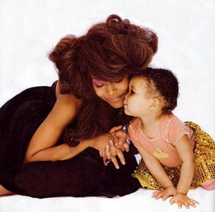 erykah badu and her baby girl show you can be fabulous and cuddly, too.