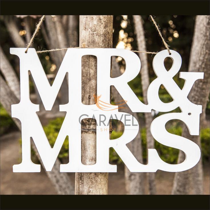 Λευκά Γράμματα Mr&Mrs