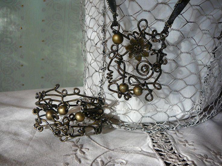 wire necklace + bracelet