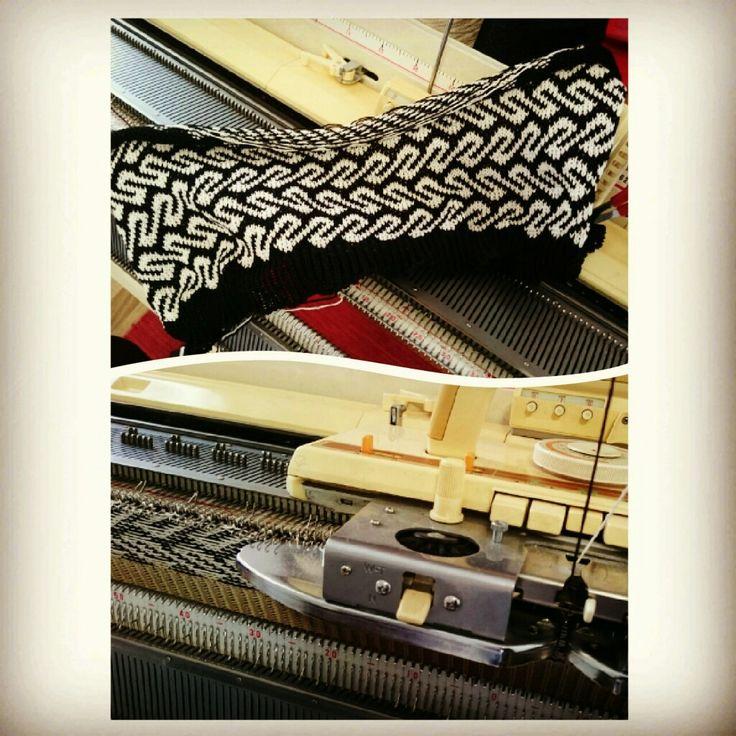 #neulekone #jälleenmyynti #knittingmachine #reseller #Helmineule #Helmiknitwear #koneneulonta #machineknitting #kirjoneule #twocoloredknitting #FairIsle #Eura #viikinkiaika #VikingAge #rautakausi #IronAge #FinnishIronAge #neuloosi #neule #neuleet #knitwear #neuloa #knit #neulominen #neulonta #knitting #muinaispuku #ancientcostume #muinaismuoti #ancientfashion